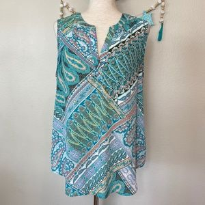 Lightweight sleeveless blouse by Artisan NY. Sz L